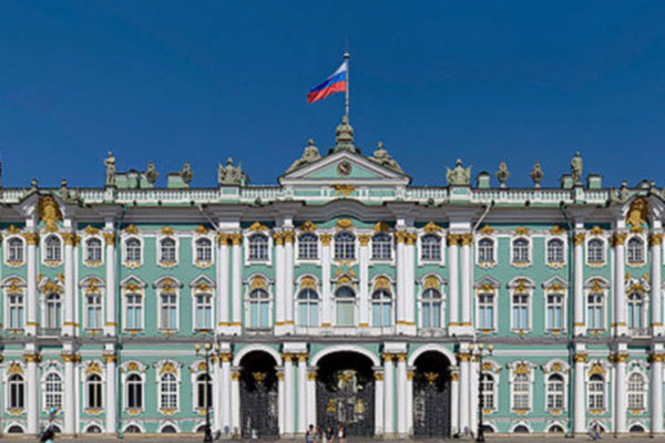 Winter Palace in Saint Petersburg © Alex Florstein Fedorov, Wikimedia Commons