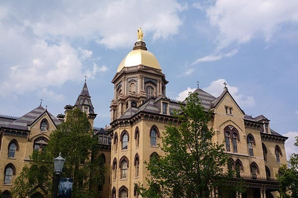 main_building_at_the_university_of_notre_dame_2