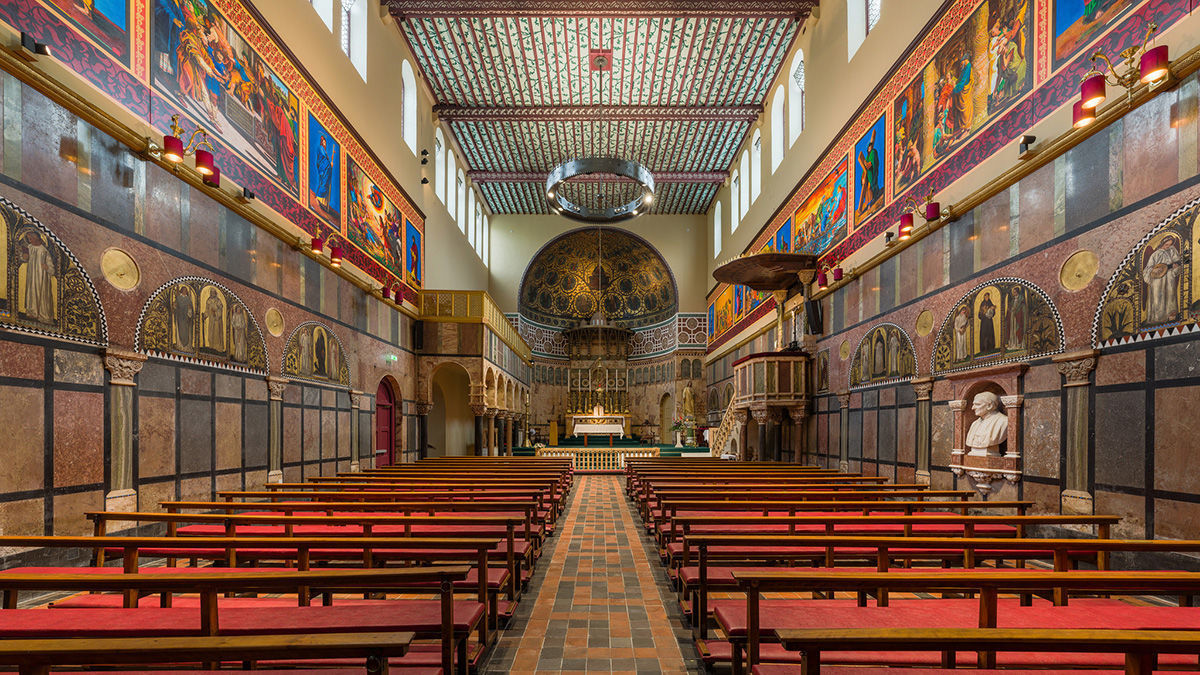Interior of Newman University Church in Dublin. Photo by David Iliff. License: CC-BY-SA 3.0.